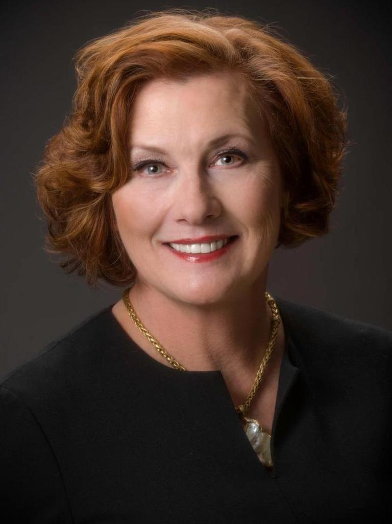 Ellie Ellis Profile Image