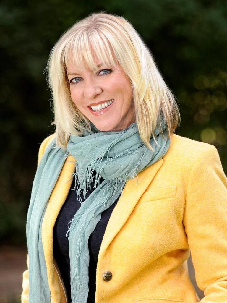 Kelly Broling Smoak Profile Photo