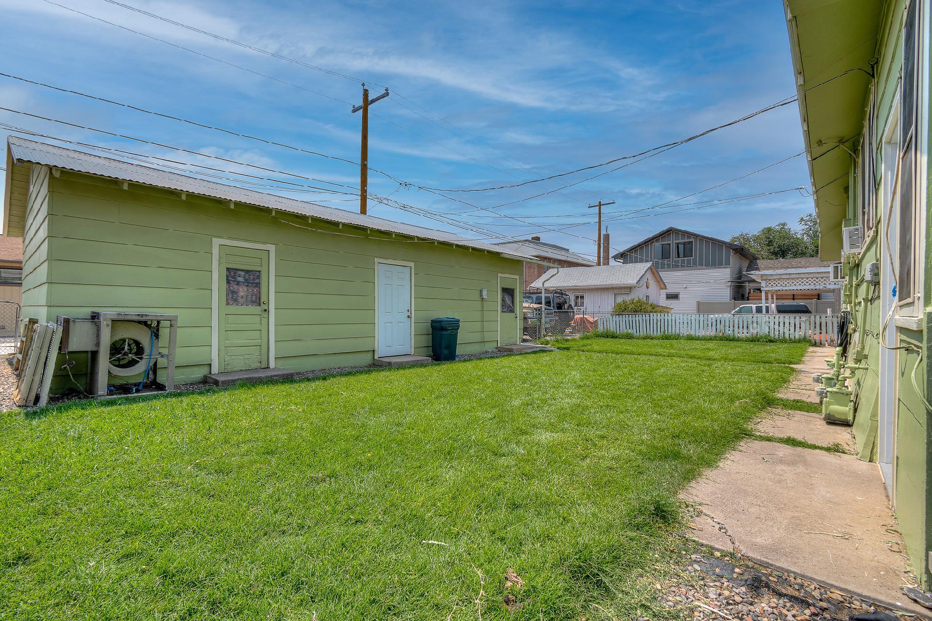 945 Colorado Avenue Property Photo 3