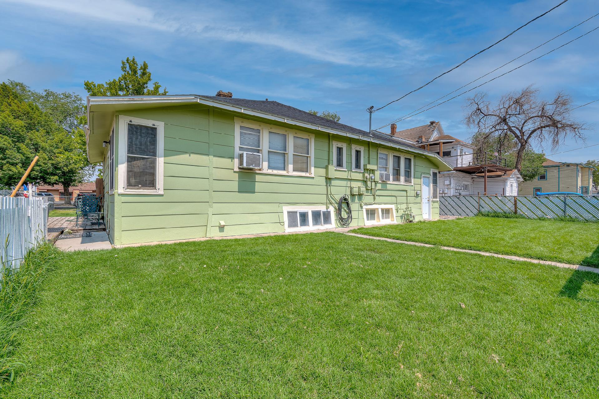 945 Colorado Avenue Property Photo 5