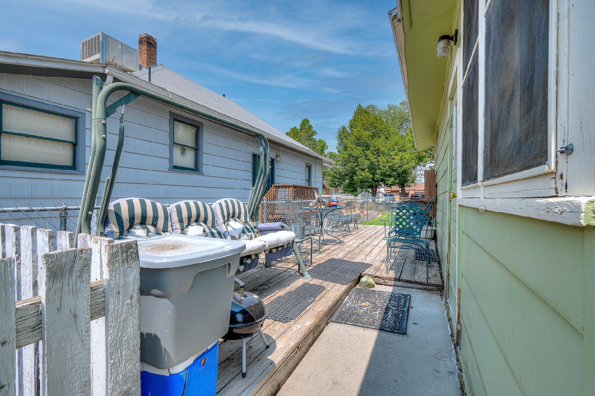 945 Colorado Avenue Property Photo 7