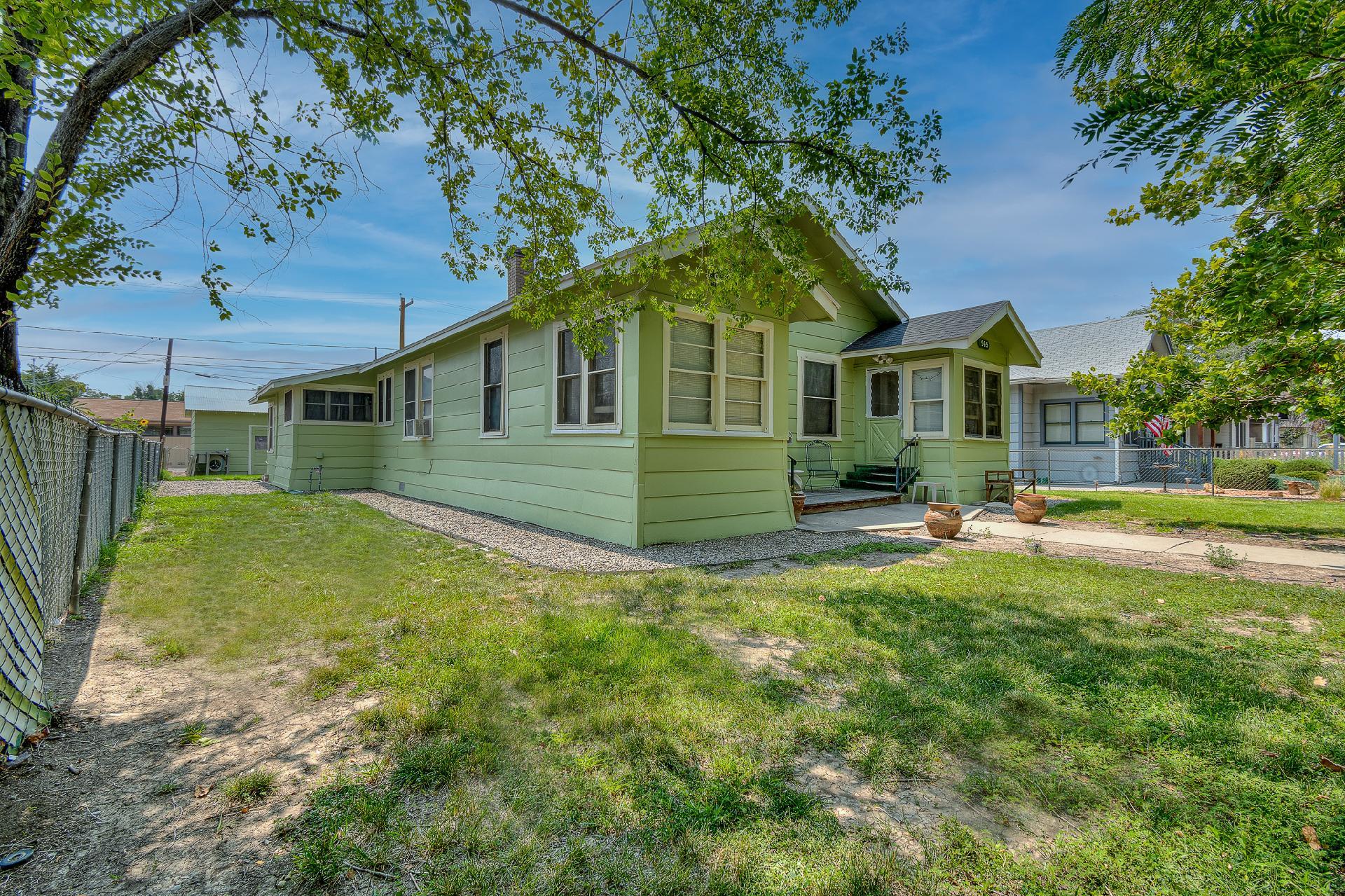 945 Colorado Avenue Property Photo 8