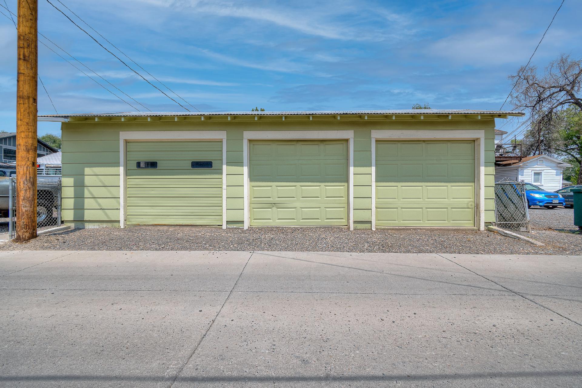 945 Colorado Avenue Property Photo 10