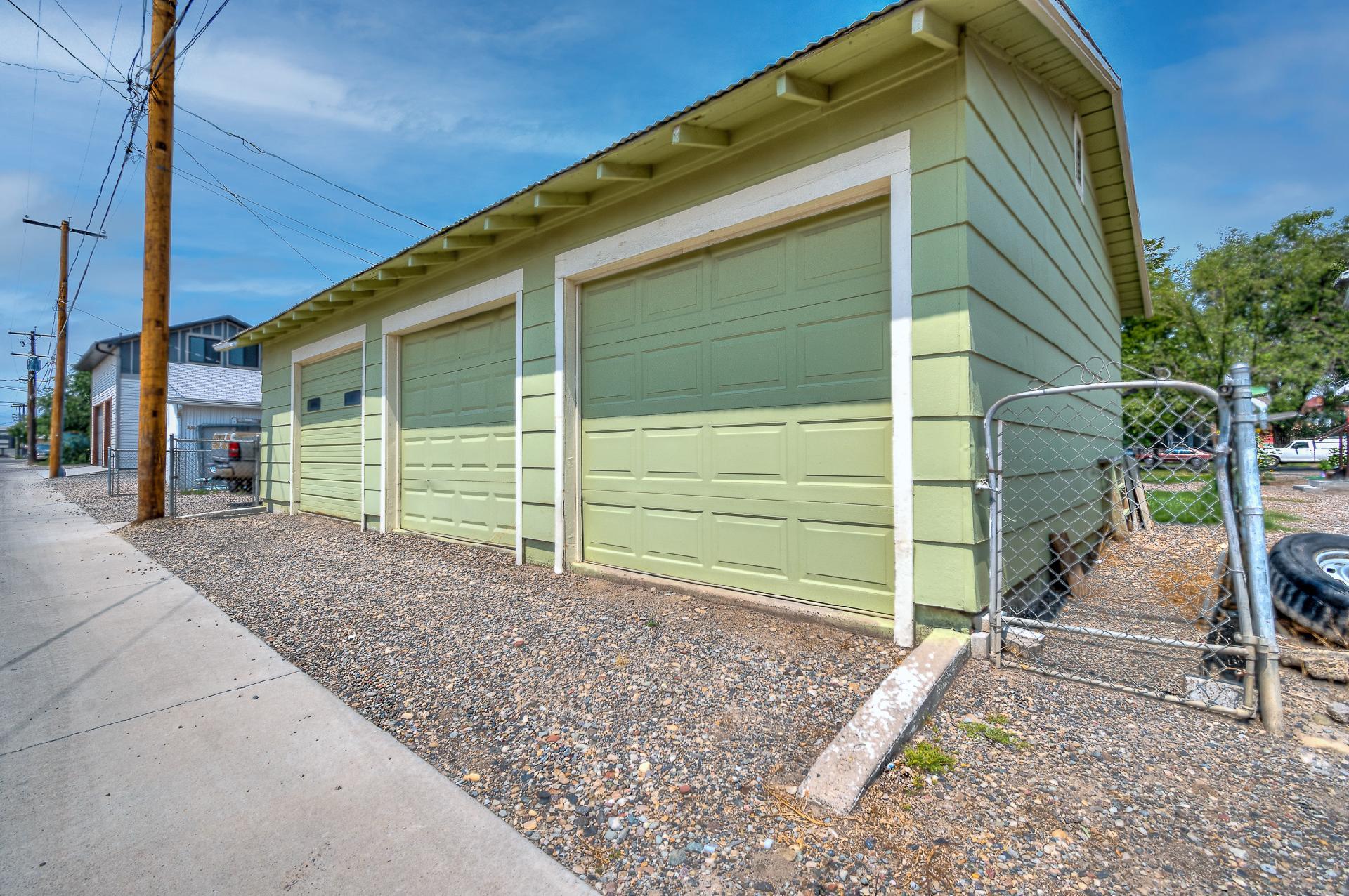 945 Colorado Avenue Property Photo 11