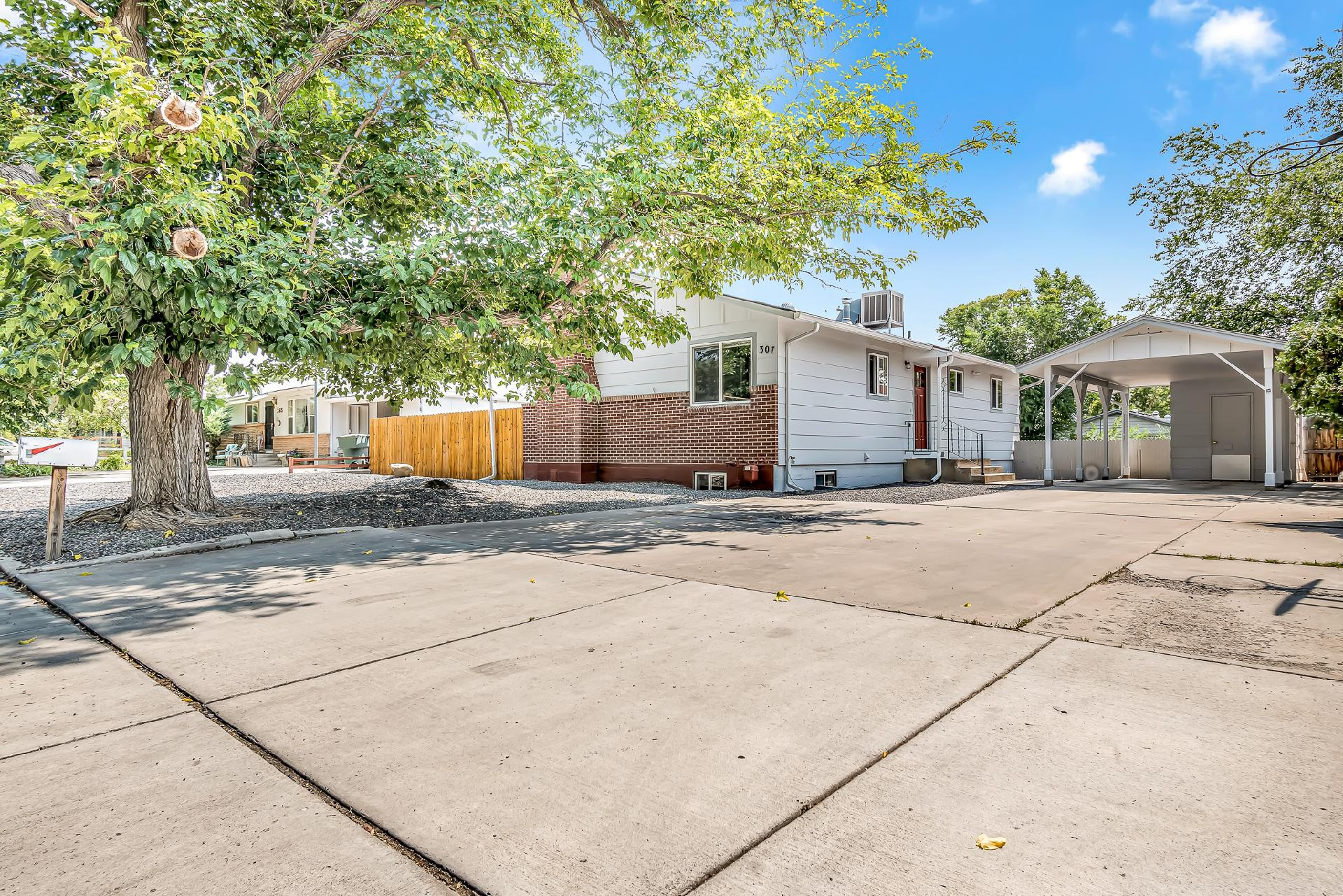 307 Independent Avenue Property Photo 1