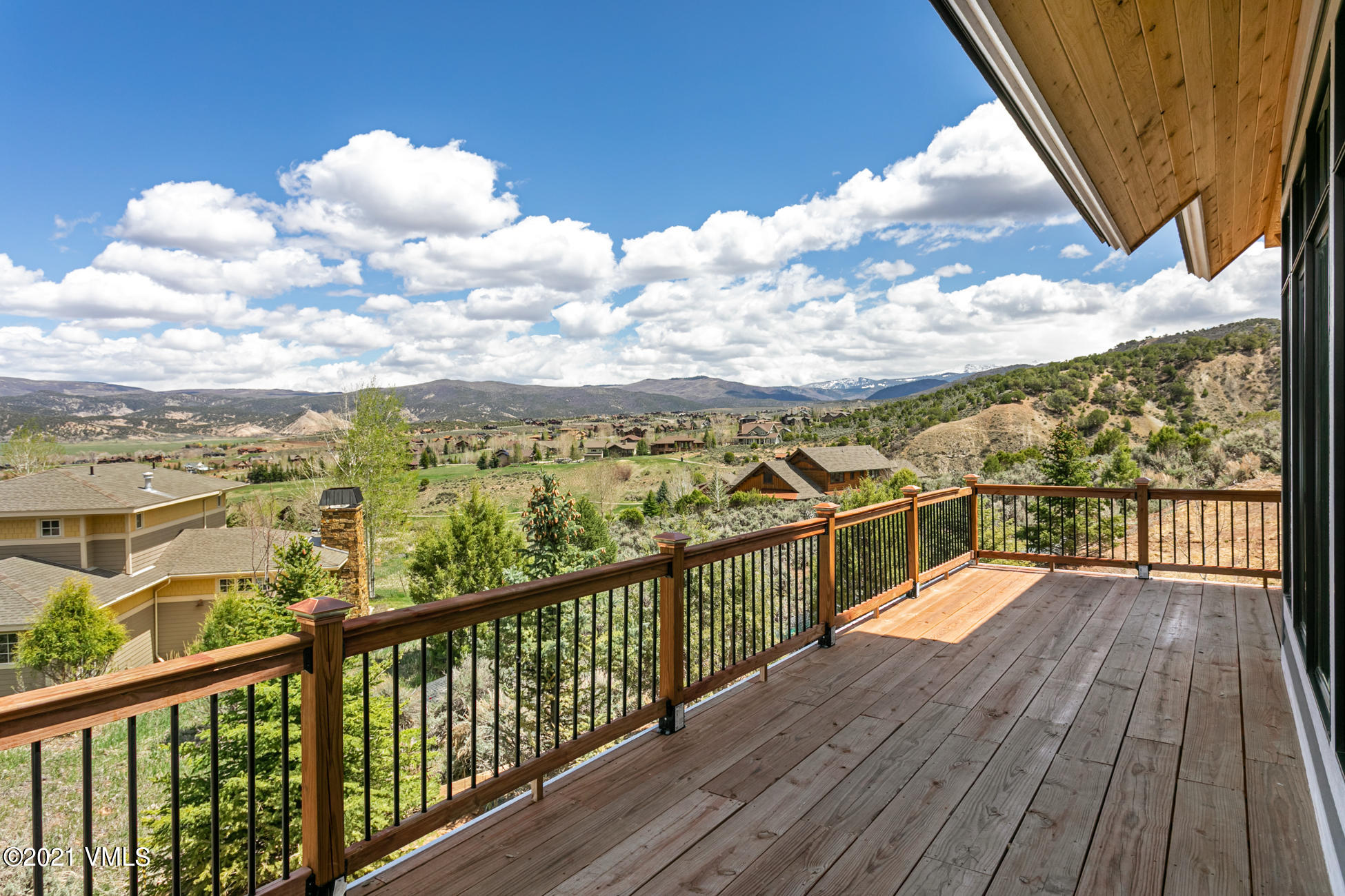 120 Silver Spur Property Photo 16