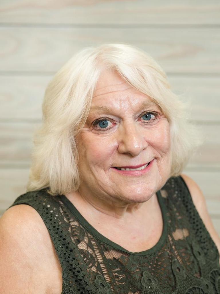 Cindy Molnar Profile Photo